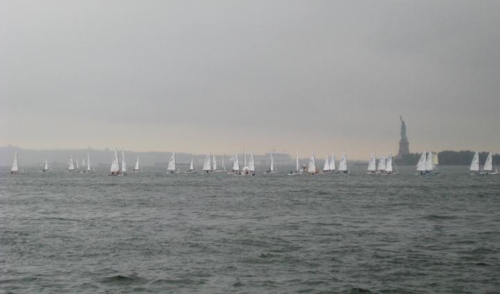 flotillastatue